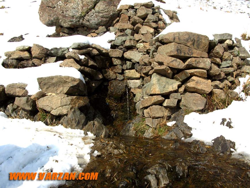 چشمه سنگ اُرُس