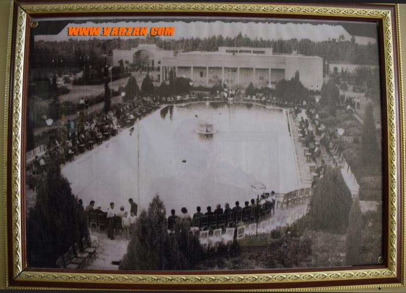 تصویری قدیمی از عمارت موزه و باغ پیرامون