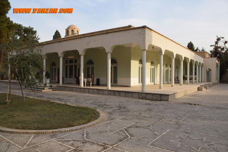 نمای امروزی عمارت موزه آیینه و روشنایی