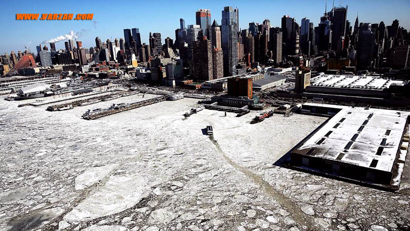 """تکه یخ های شناور در طول رودخانه """"هادسون"""""""